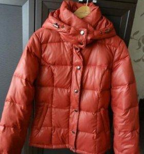 Демисезоная куртка р42 инсити