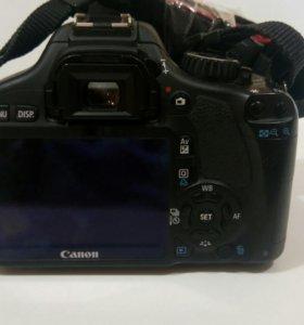 Фотокамера Canon EOS 550D Kit