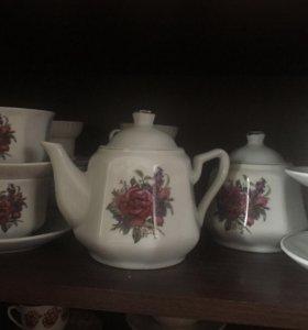 Набор чайник,1чайник 6 чашек 6тарелок и 1 сахарниц
