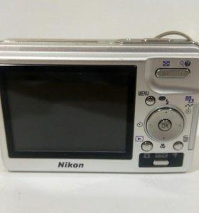 Фотокамера Nikon S2