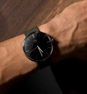 Смарт-часы Motorola moto 360