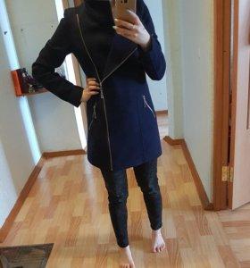 Пальто женское 40-42.