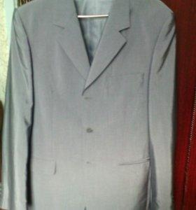 Костюм+2 рубашки