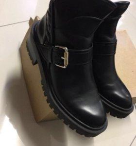 Ботинки Zara 39р
