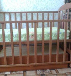 Детская кроватка - маятник.