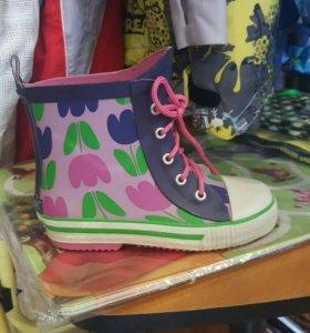 Резиновые ботинки 28