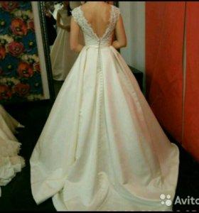 Свадебное платье марки Naviblue