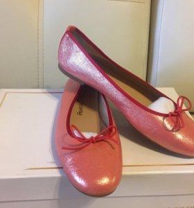 Кожаные балетки туфли