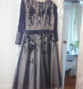 платье 44-46р праздничное