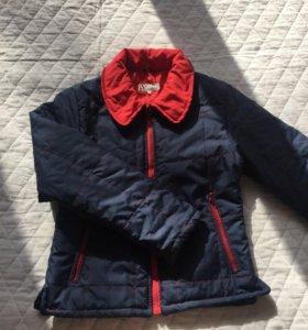 Демисезонная курточка 42-44 размере