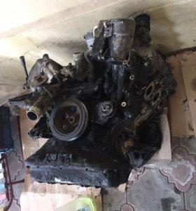 Двигатель 3,5 на мерседес 220