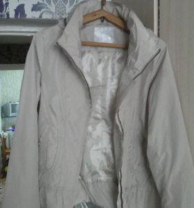 Курточка на теплую весну,44 р.