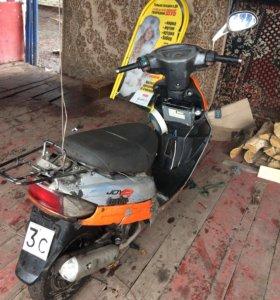 Продам скутер обмен на любую машину.в.такую.цену