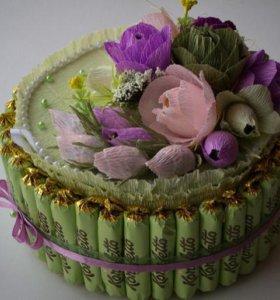Торт из конфет,соков или памперсов.