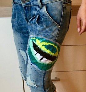 Шорты бриджи джинсовые с пайетками