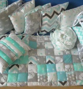 Комплект бортиков подушечек в кроватку