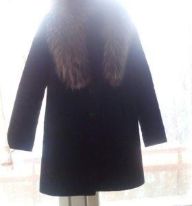 Пальто с натуральным мехом чернобурка