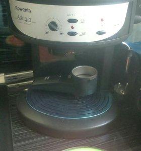 Продам кофеварку рожковую Rowenta