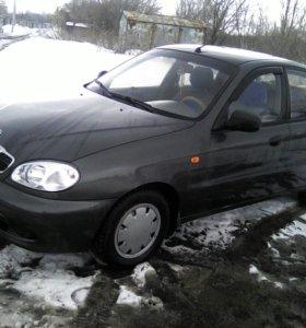 Автомобиль ЗАЗ Сенс 2011 года, двигатель 1,3 л.