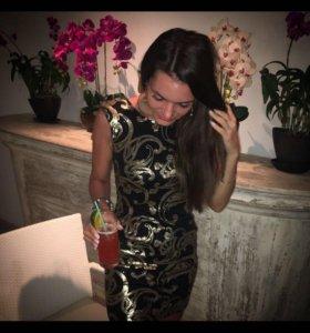 Платье расшитое паетками в стиле Versace