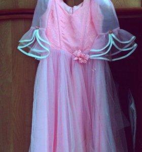 Платье на девочку 5-6 лет, рост 110-130.