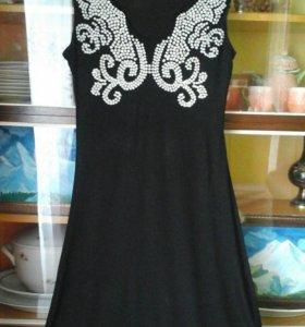 Красивое платье ))+черное болеро в подарок ))
