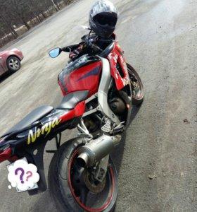 Kawasaki zx6-r.2011