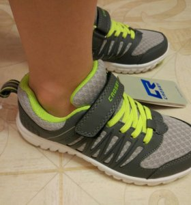 Новые кроссовки 31 размер