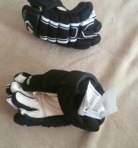 Хоккейные краги (перчатки)