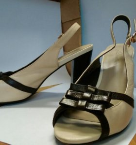 Кожаные туфли с открытым носиком и пяткой