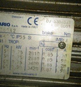 Электро мотор motovario с редуктором 0,75 kW б/у
