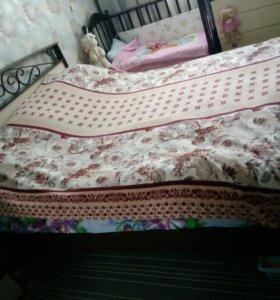 Кровать 2,20м х 2м с матрасом