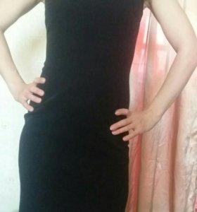 Чёрное платья карандаш