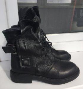 Новые кожаные ботинки р.37