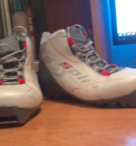 продаю лыжные ботинки 37-38 размер