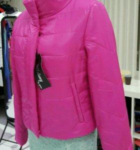 Красивая НОВАЯ куртка цвета фуксии