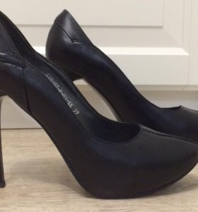 Туфли кожаные Calipso 39 размера, маломерки.