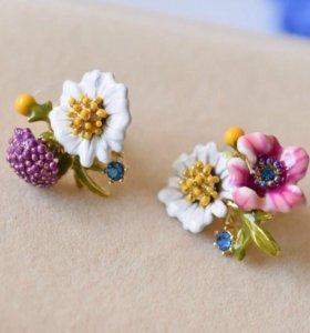 Асимметричные сережки с полевыми цветами Nereides