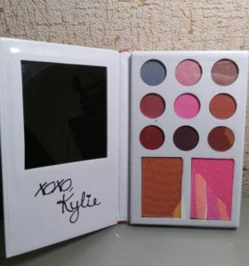 Подарочный набор тени Kylie 11 оттенков