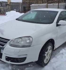 Volkswagen Jetta 2010 г.в. 1.6 МКПП