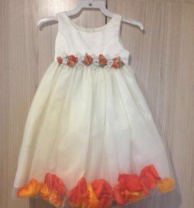 Платье нарядное 2-5 лет
