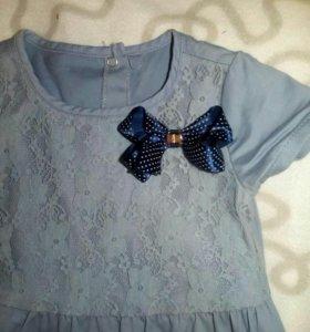 Платье серо-голубое с синим бантом на 2-3 года