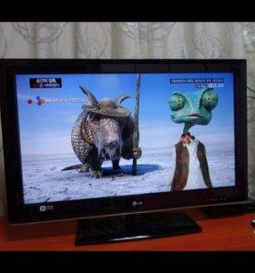 LED TV LG32 81 см состояние идеальное с USB