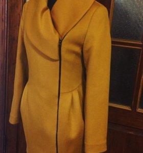 Новое пальто шерстяное