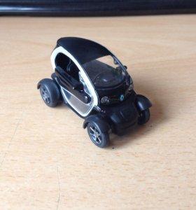 Модель Renault Twizy Z.E. 1/43 Keng Fai Toys