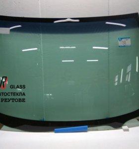 Лобовое стекло на Nissan X-trail T30