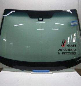 Лобовое стекло Skoda Octavia A5