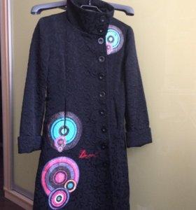 Пальто Desiqual 42-44