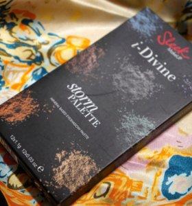 Палетка теней Sleek i-Divine Storm Palette
