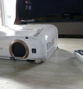 3D LCD Full HD  Проектор Epson 5300